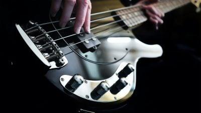 - Basso elettrico 400x225 - MUSICA MODERNA strumenti