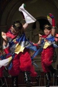 - Bambini08 1 200x300 1 200x300 - The Festival Italia Corea