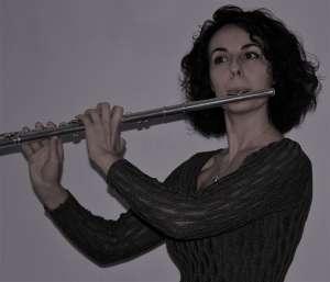 - foto Manuela flauto 300x257 - FLAUTO  DOLCE E TRAVERSO- MANUELA ROMANELLI
